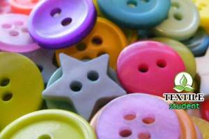 Describe different types of button are used in garments.