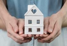 Postergación de crédito hipotecario con garantía estatal