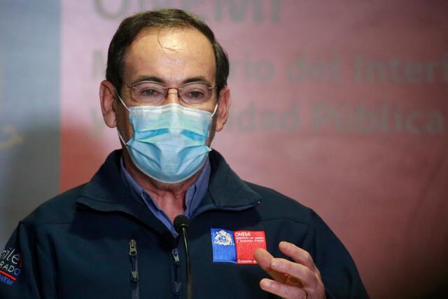 El director de la Onemi Ricardo Toro fue quien anunció los efectos del sistema frontal