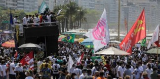 Miles de brasileños salieron a las calles a protestar contra Bolsonaro