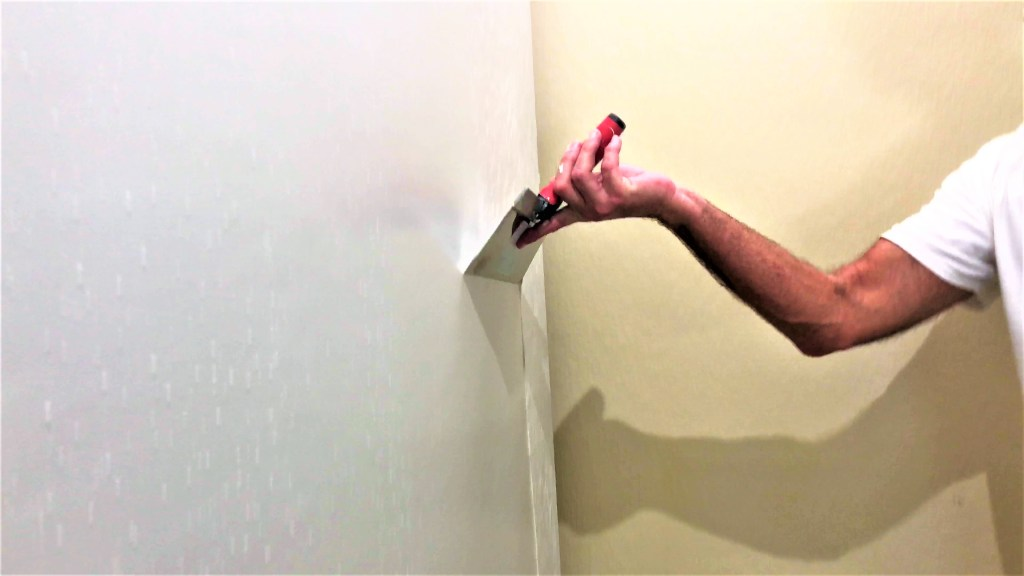 Skim coating walls for beginners tutorial-Skimming