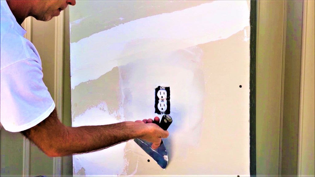 How to repair holes around electrical box? Contractor Tips and DIY Tricks