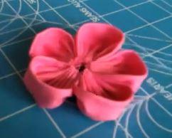 איך לתפור פרח