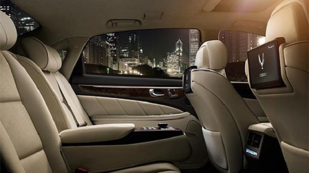 2014 Hyundai Equus Is Made For Back Seat Fun First