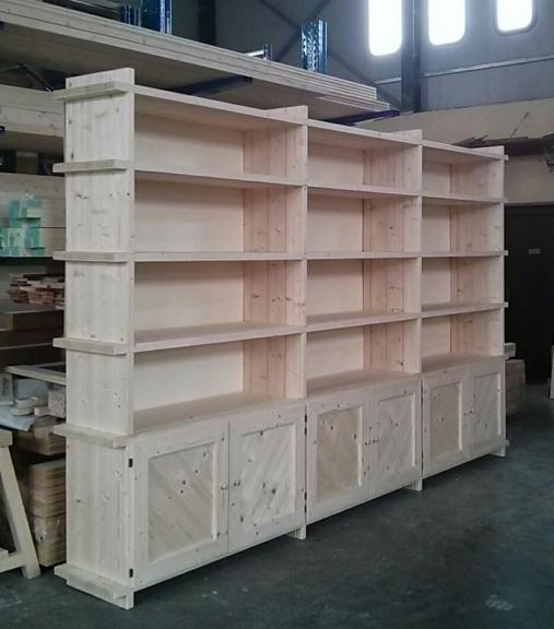 libreria in legno di abete