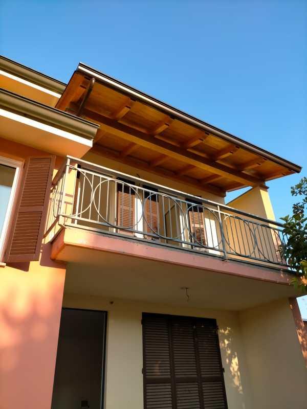 tettoia copri balcone
