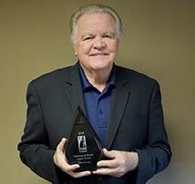 Robert Cruess receives DeStefano Barrett Legacy Award at the NH CIBOR Cares 10th Anniversary Celebration