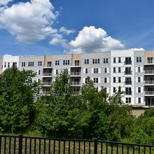 The Chandler Apartments at Goffe Mill Plaza