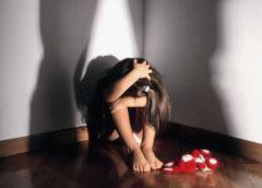 Bambina violentata dal suo insegnante di lingua araba adesso ricercato