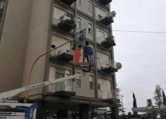 Nuovo look per il semaforo di piazza Europa