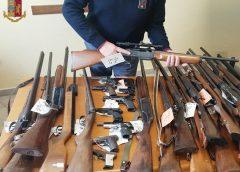 Caltanissetta, la Polizia di Stato ritira 60 fucili e 50 pistole: continua la rottamazione di armi in provincia