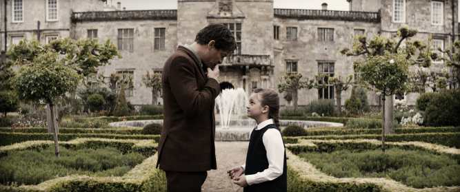 "(L-R) DOMINIC WEST as Richard Croft and MAISY DE FREITAS as Young Lara (7 years old) in Warner Bros. Pictures' and Metro-Goldwyn-Mayer Pictures' action adventure ""TOMB RAIDER,"" a Warner Bros. Pictures release."