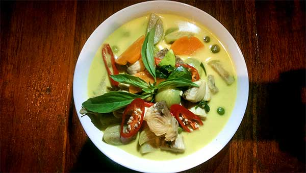 Thai Cooking Green Curry Fish