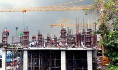 growth crane Bangkok construction