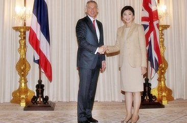 Former British prime minister Tony Blair expressed confidence in Thailands governments post flood rehabilitation measures, asserting that British business people still have confidence in Thailand and will maintain their investment presence in the kingdom.