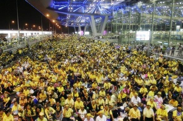 Yellow Shirts occupation of Bangkok Airport in 2008