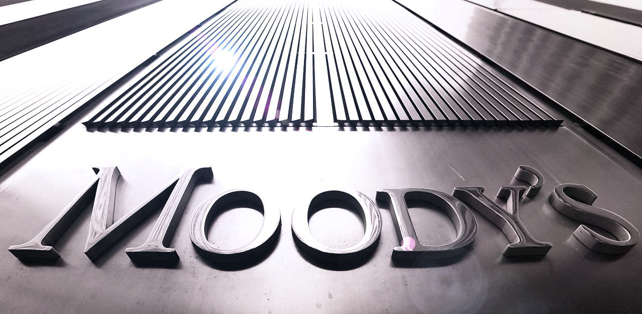 Moody's upgrades Vietnam's ratings to Ba3 and changes outlook to stable