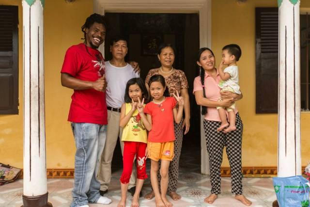 thai girl loves family too much