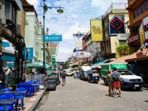 khao san road bangkok in daytime