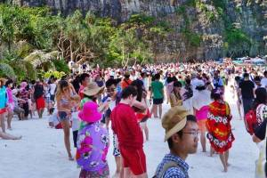 33 million visitors to Thailand throughout 2016. Boon or Bane ? — Thailand Business News