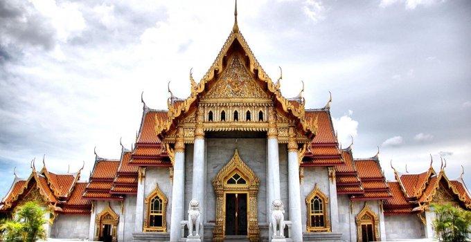 Bangkok's 9 Royal Temples
