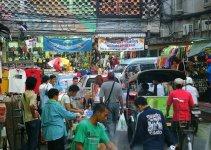Pratunam street vendors petition to stay