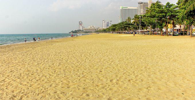 Pattaya Beach Deserted January 2021 (By Drone)