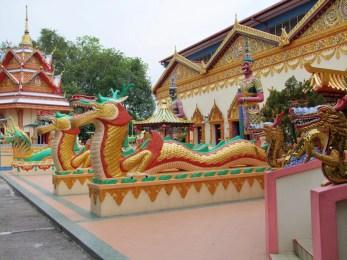 nagas temple bouddhiste thai penang malaisie