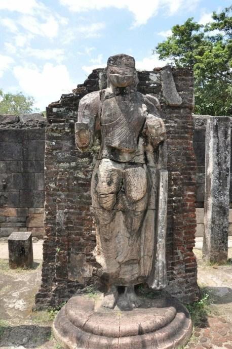 statue bouddha quadrangle polonnaruwa - sri lanka