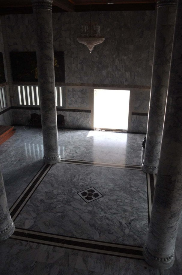18-Temple Thai Khmer-marbre-Prasat-Surin-Issan-Thaïlande