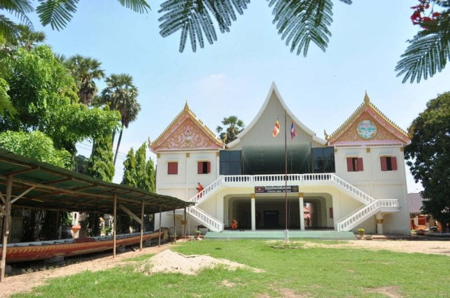temple savannakhet laos