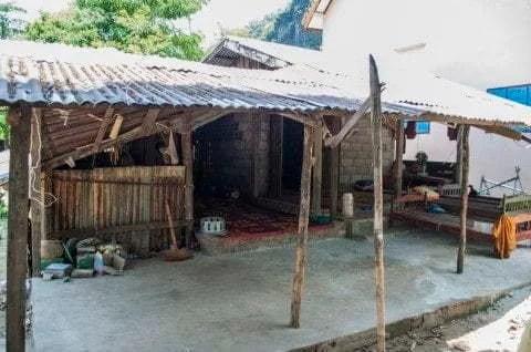 temple thakhek laos