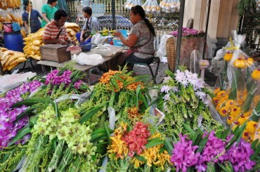 marché fleur Pak Khlong Talad memorial bridge bangkok