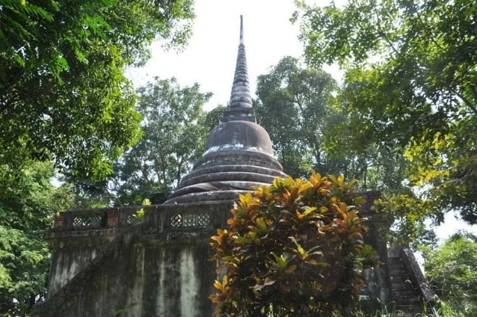 chedi wat thai yo songkhla