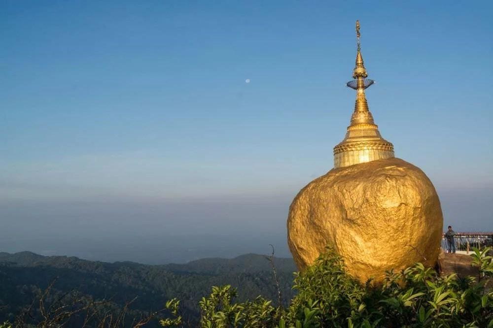 kyaiktiyo rocher d'or birmanie