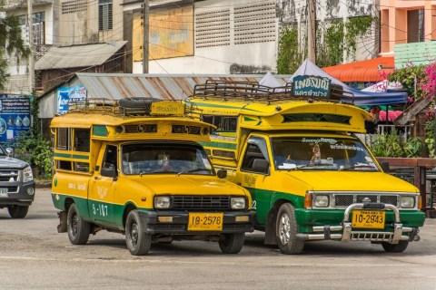 pick-up songthaew jaune et vert lampang