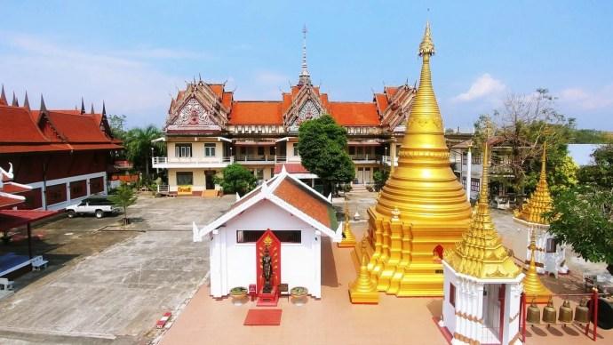 vue ensemble wat ko wasukaram lampang thailande