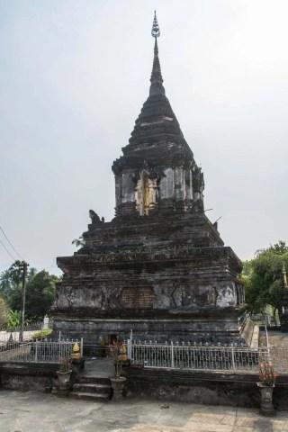 vieux chedi Wat Hosian Voravihane luang prabang