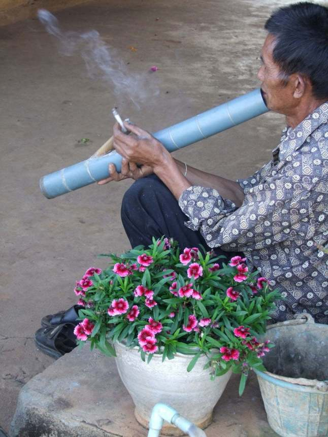 pipe opium doi mae salong - thailande