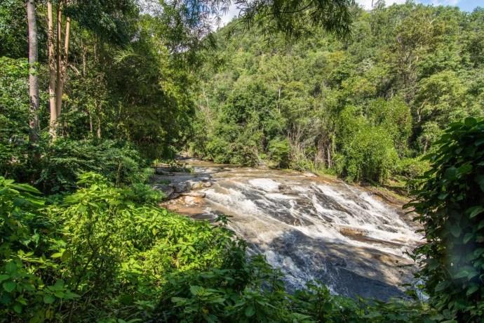 proche mae ya waterfall doi inthanon - chiang mai