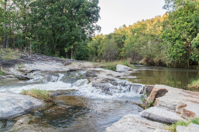 proche wang khwai waterfall
