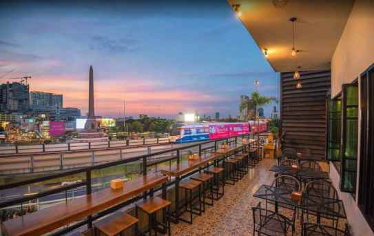 bar restaurant Beat Victory Monument
