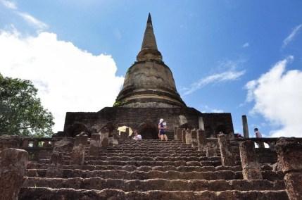 chedi wat chang lom - si satchanalai - thailande