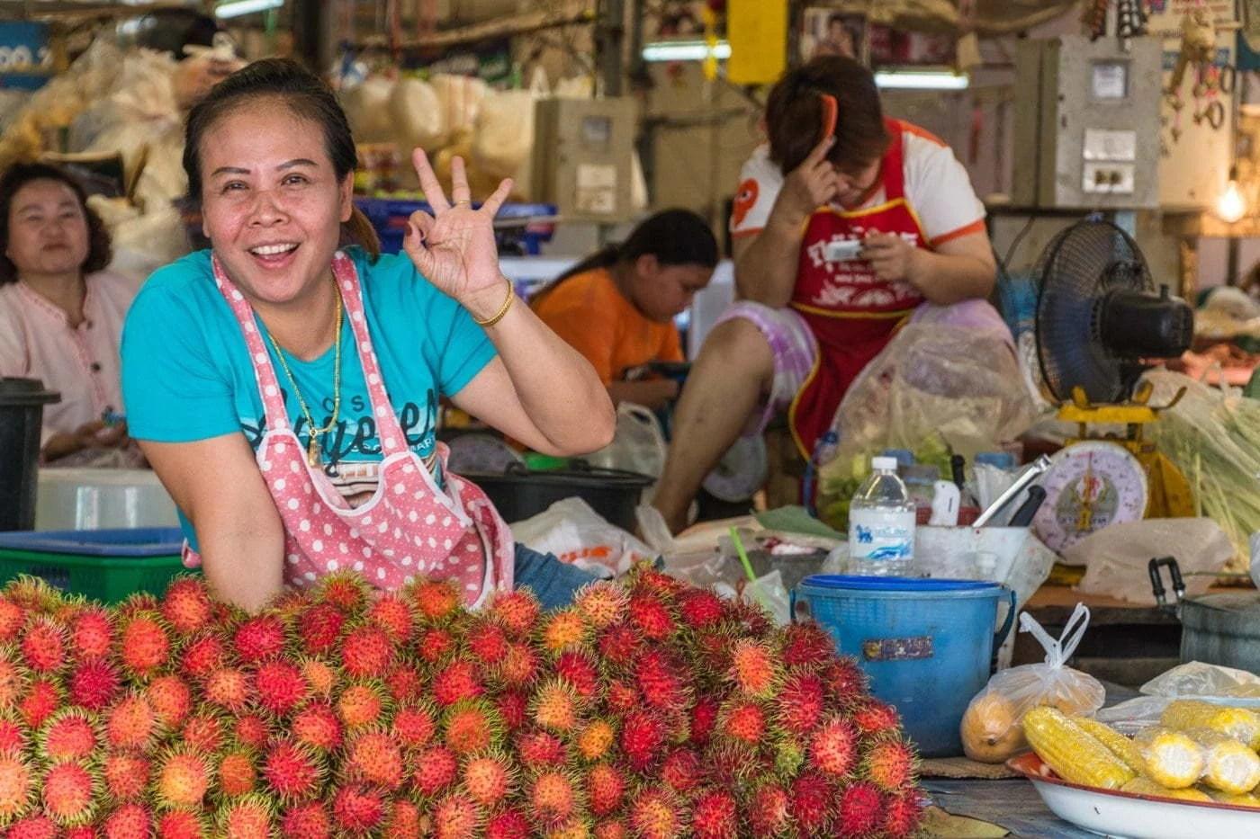 au marché couvert de mukdahan - thailande