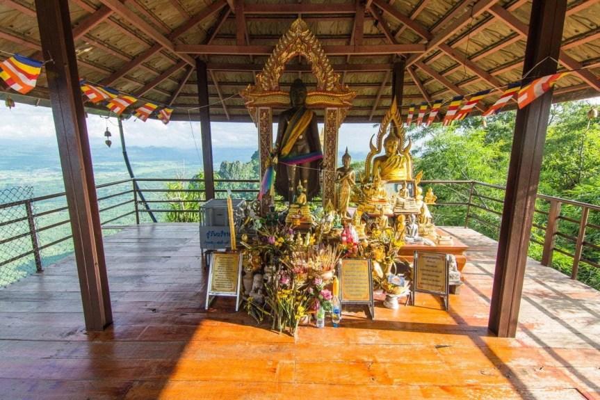 statue bouddha wat phra bat phu pha daeng - thailande