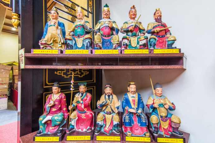 statuettes protectrices temple che kung - hong kong