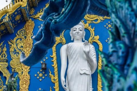 wat rong suea ten - temple bleu - chiang rai