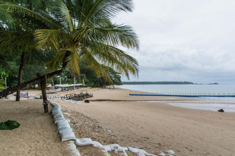 white sand beach resort - khao lak - thailande