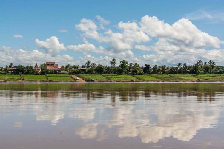 rive mekong champassak laos