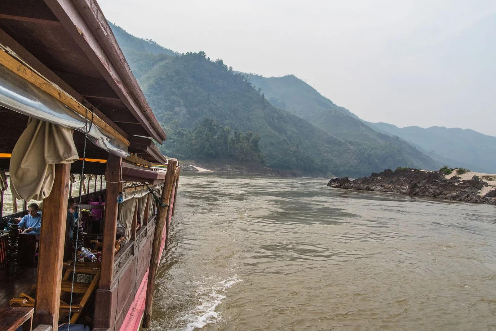 slow boat croisiere mekong huay xai luang prabang laos